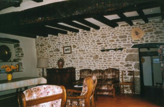 Le séjour et sa restauration authentique